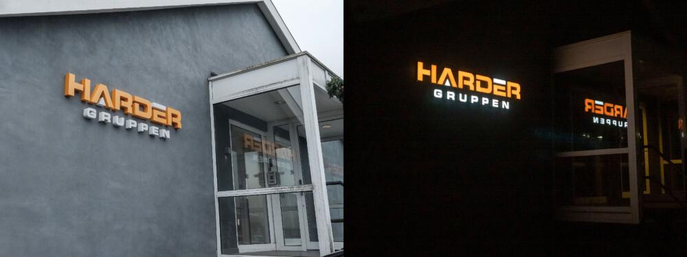 Harder Gruppen, Rødovre – bogstaver i lakeret aluminium, med frontlys. Monteret enkeltvis på mur.