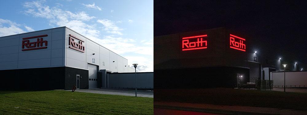 Roth, Frederikssund – bogstaver i lakeret aluminium, med frontlys.