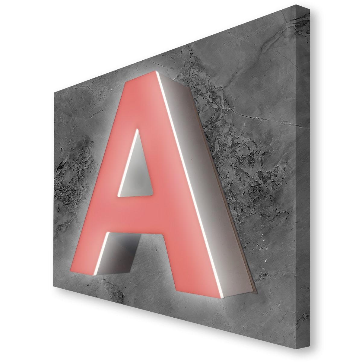 Bogstavets front er monteret med transparent folie